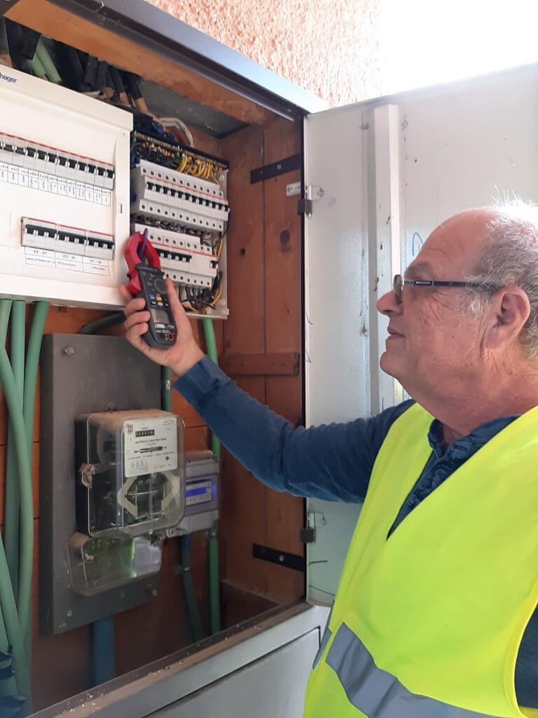 בודק חשמל מוסמך | אלי שטיינברג - ייעוץ חשמל
