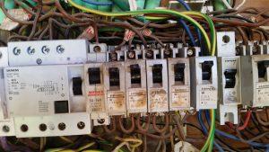 לוח חשמל לא תקין | אלי שטיינברג - ייעוץ חשמל